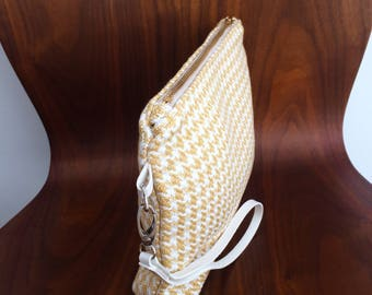sale 15%!Houndstooth wristlet pouch, gold & white pattern with zipper and leather handle