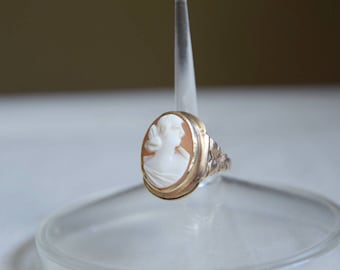 Beautiful Large Vintage Antique 10k Cameo Statement Ring Size 7