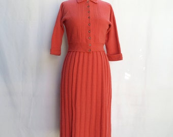 Vintage 1950's/Coral Wool Sweater and Skirt Set/50's Hand Loomed Wool Sweater Skirt Ensemble/Medium
