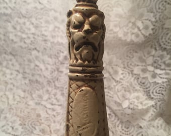 Old English Lion Head Shoehorn