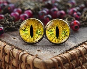Yellow Cats Eye stud earrings, Cats Eye earrings, Eye earrings, cat earrings, cat jewelry, Yellow Eye, gift for cat lovers, post earrings