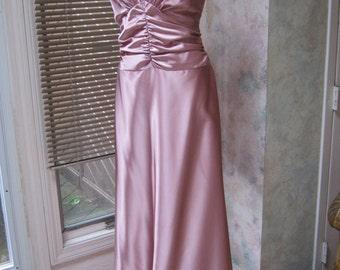 Vintage dusty mauve bride or bridesmaid gown, size 12 antique mauve pink gown, Jessica McClintock sz 12 waltz dress gown, shaped bodice gown
