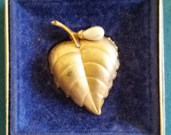 Vintage Avon Fragrance Leaf Glace' with Pearl Pin