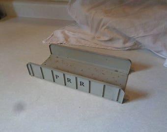 Die cast girder bridge by H&H made in the USA similar to lionel 314 girder