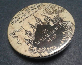Harry Potter Badge or fridge magnet -- Marauders Map -- 38 mm -- Mischief Managed -- Pin -- Pin back badge