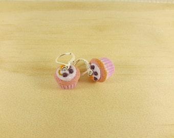 Miniature Cupcakes Earrings, Mulberries cupcakes, Food Jewelry, Miniature Food Earrings, polymer clay jewelry, polymer clay food earrings