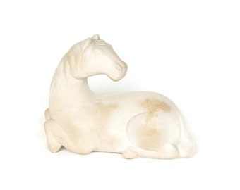 Vintage Ming Style Chinese Carved Horse Statue in Buff White