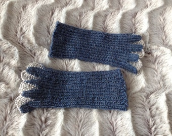 Elegant hand knitted writstwarmers with beads denim silver