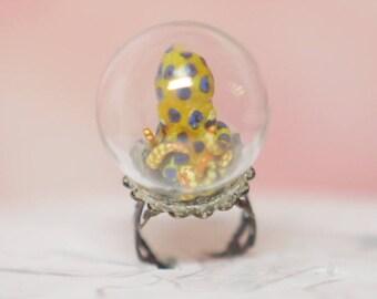 Blue-ringed Octopus Globe Ring