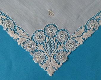 RS Monogrammed Hankie, Vintage Lace Hankerchief, White Lace Hankie, Wedding Hankie, Ladies Hanky, Vintage Linens