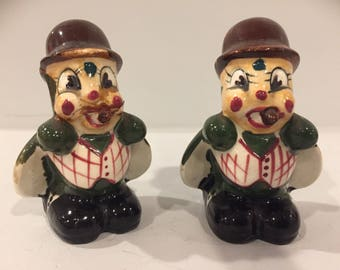 Vintage hand-painted cricket salt and pepper shakers, Japan