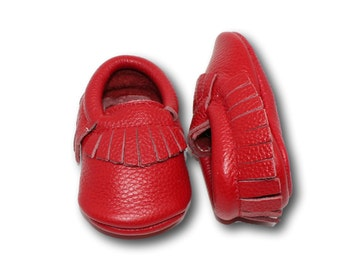 Red Baby Moccasins // Leather Baby Moccasins // Red Childrens Moccasins // Baby Mocassins // Toddler Moccasins // Baby