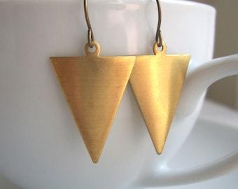 Golden Triangles earrings - golden brass arrows - geometric jewellery - nickel free