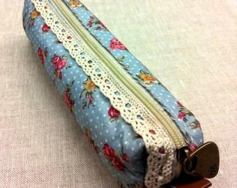 Blue floral Kit - ecru lace