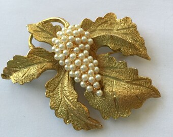Vintage Hobe' Brooch Grapes and Leaves