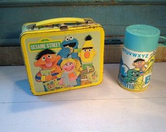Vintage Sesame street lunch box metal 1979