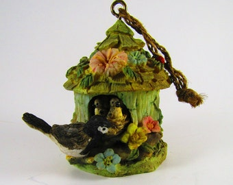 Vintage Ceramic Bird House baby birds nest battery operated