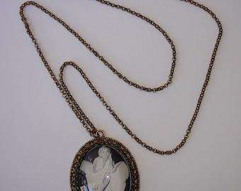 """Collier avec pendentif sous verre """"Marilyn Monroe"""" sur support bronze"""
