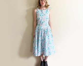 vintage dress 1980s sleeveless pastel colors floral print 1950s belle france size s small