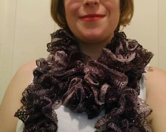 Sashay Ruffle Knit Scarf
