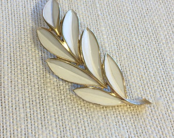 Trifari Vintage White Enamel and Goldtone Leaf/Olivebranch/Feather Brooch