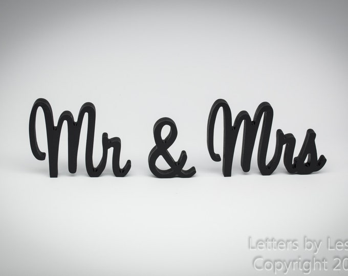 Handpainted Mr and Mrs Wedding Sign, Wedding Reception Sign, Wooden Sign, Wedding Signs, Sweetheart Table, Wedding Decoration