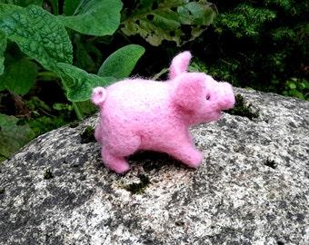 needle felted piggy, felted pig, needle felted pig, cute pig, pig figurine, needle felted animal