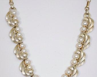 """Vintage 16 1/2"""" Listner Necklace circa 1950's pearls set in gold metal adjustable"""