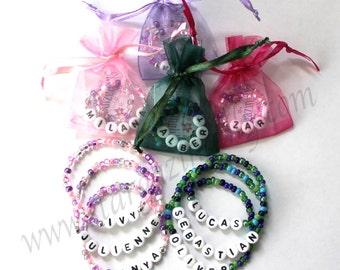 Lot de 10 bonbonnières pour garçons et filles. Personnalisé Bracelets anniversaire partie Favor nom Bracelets pour enfants par Stargazinglily Party Pack