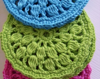 Easy round coasters - simple crochet pattern for beginners, written crochet tutorial