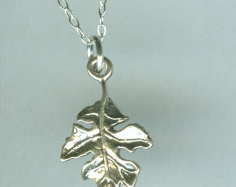 Sterling Silver OAK LEAF Pendant and Chain - 3d