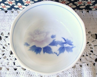 Vintage Porcelain Rice Bowls - Blue & White Porcelain - Lavender Flower - Set of 5 - Made in Japan