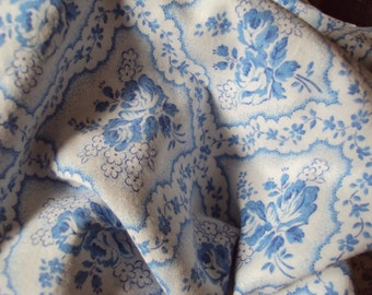 Vintage Cotton Fabric Blue Roses Blue and  White Flowers Suitable for Pillows Patchwork Quilting Lavender Bags Feedsack