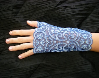Blue and light blue lace fingerless gloves