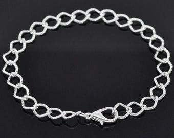 Support bracelet crafted in bright silver metal (x 2)