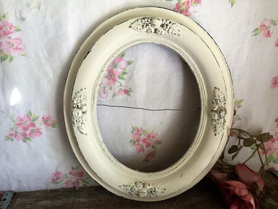 Vintage Oval White Picture Frame Wood Ornate Wedding Antique