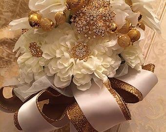 Nadiyah - Brooch Bouquet
