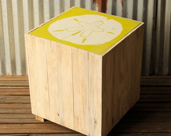 Square End Table Beach Coastal Sand Dollar Pallet White Washed Patio Table Cottage Beach Furniture Sofa Side Table Rustic Wood