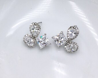 Wedding Earrings Stud, CZ stud earrings, princess bridal earrings, tear drop pear cubic zirconia earrings stud earring, Marie Stud Earrings