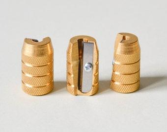 M + R grenade en laiton Spitzer, laiton taille-crayon, M + R grenade ou Doppelspitzer S001
