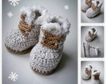 crochet baby christmas boots, crochet baby booties, grey baby booties, baby boots, crochet baby booties, warm baby booties, baby booties