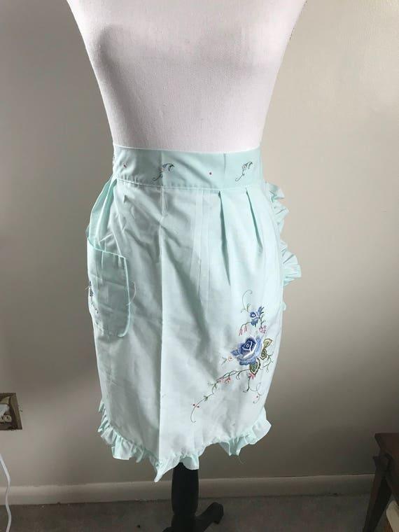 Blue Vintage Embroidered Floral Apron with One Pocket