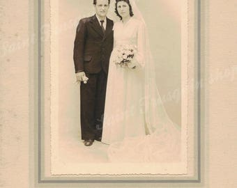 Great old photograph couple married - vintage photo wedding ceremony - silver print black and white
