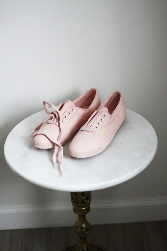 1980s pink sneakers // 1980s deadstock shoes // vintage shoes