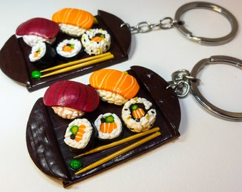 Portachiavi con sushi in fimo, sushi in polymer clay, miniature di sushi