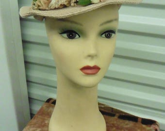 NWT 40-50s PALE Blush Pink Straw Head Hugging Hat w/ Silk Flowers 22 1/2""