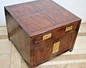 Henredon Furniture Folio 16 Chinese Asian Influenced Style Chest End Table  Safe Insured Nationwide Shipping Available