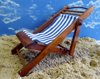 """Vintage, Wood DOLL DECK CHAIR in blue-and-white stripes ideal for all 7""""-9"""" dolls like Ginny, Middle Blythe, Mini American Girl, Skipper"""