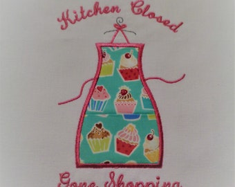 Kitchen Closed Kitchen Towel with Cupcake Fabric