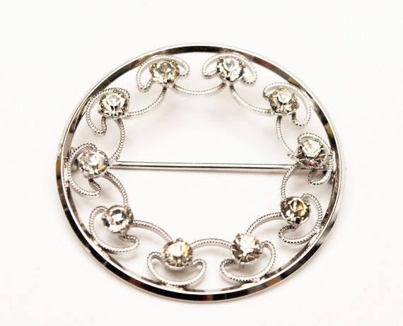 Krementz Rhinestone  Brooch  Silver tone metal  Clear crystal  Round Wreath  Mid Century Pin